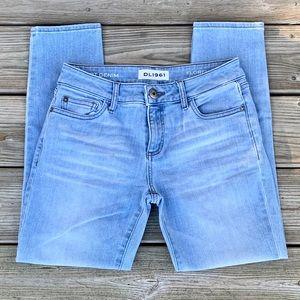 DL-961 Florence Instasculpt Crop Jeans. Light Wash